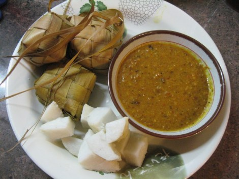 Serve Ketupats with Mix Vegetable or Chutney